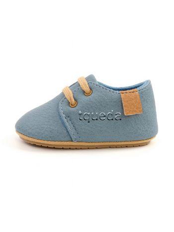 Zapatos de bebe color celeste
