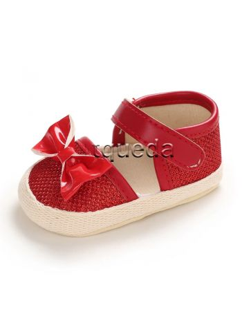 baby shoes color rojo